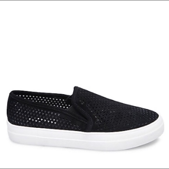 """330568131af Steve Madden """"Whilma"""" Sneakers NWT"""